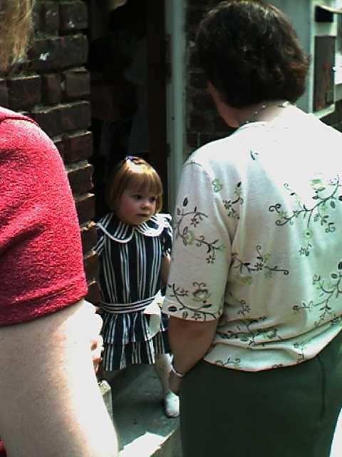 2000-05-14_06-16-40_XXX_!com0027