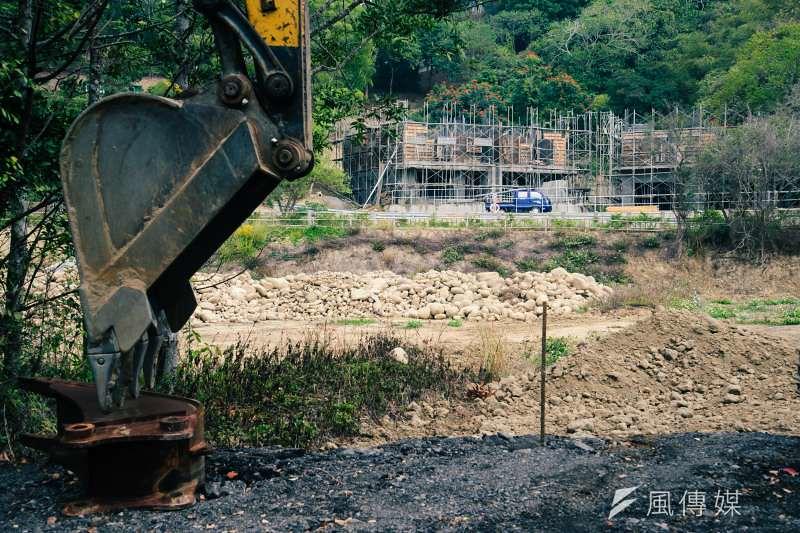 除了大型開發案,散落在苗栗山區的農舍、別墅開發規模雖然較小,但長期累積下來也對石虎的生存環境造成很大影響。(甘岱民攝)