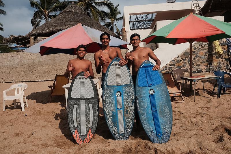 Surfers, Barra Navidad, Jalisco México 2018 por Joel Lugo a.k.a. Ockesaid
