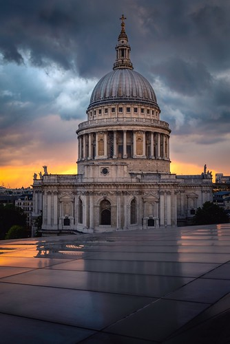 photography landscape limestone pillars greatbritain streetsoflondon history architecture onechangecentre moody sky sunset cityoflondon london uk church cityscape england stpaul'scathedral libdon