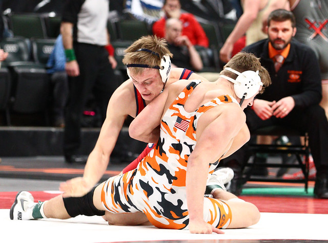 195AAA 195AAA 3rd Place Match - Rowan Morgan (Mounds View) 37-4 won by fall over Joey Johnson (Shakopee) 37-8 (Fall 0:36) - 190302cmk0215