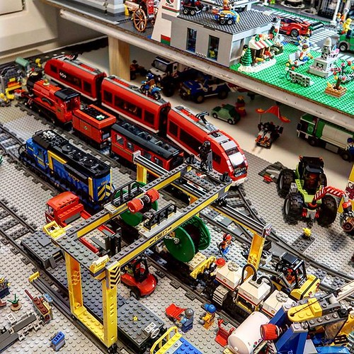The Studsburg Cargo depot and rail yard are coming along! Lots of progress and feel it's starting to resemble the classic LEGO train setups from the 80s and 90s 😃 https://youtu.be/R3WL54BNt-Y #lego #legotrain #legotrains #legocity #legocitylife #tr | by GJBricks