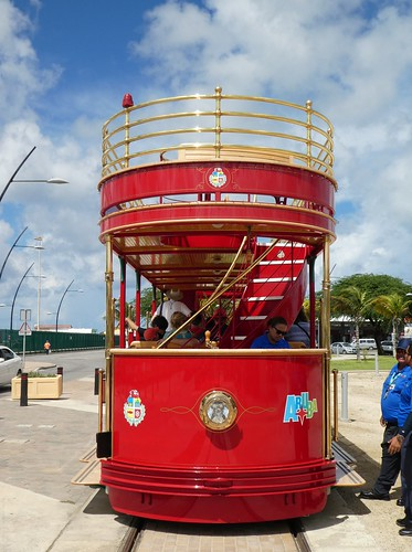 cruising cruise carnivalcruiseline caribbeancruising caribbeansea caribbeanisland aruba streetcar arubastreetcar doubledeckstreetcar tram trolley publictransit publictransportation oranjestad oranjestadstreetcar arubus