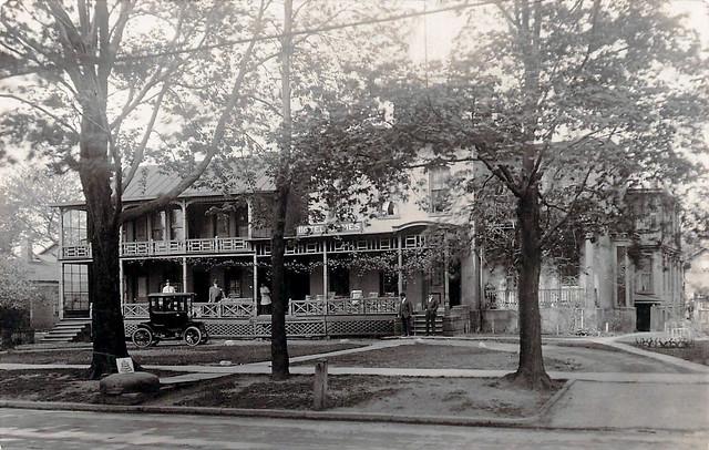 Hotel James