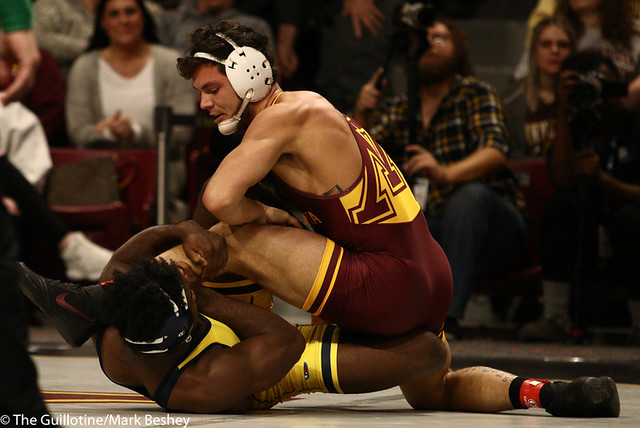 Semifinal - Brandon Krone (Minnesota) 2-1 won by decision over Jelani Embree (Michigan) 0-1 (Dec 6-2) - 190310cmk0027