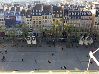 Place George Pompidou   by diamond geezer