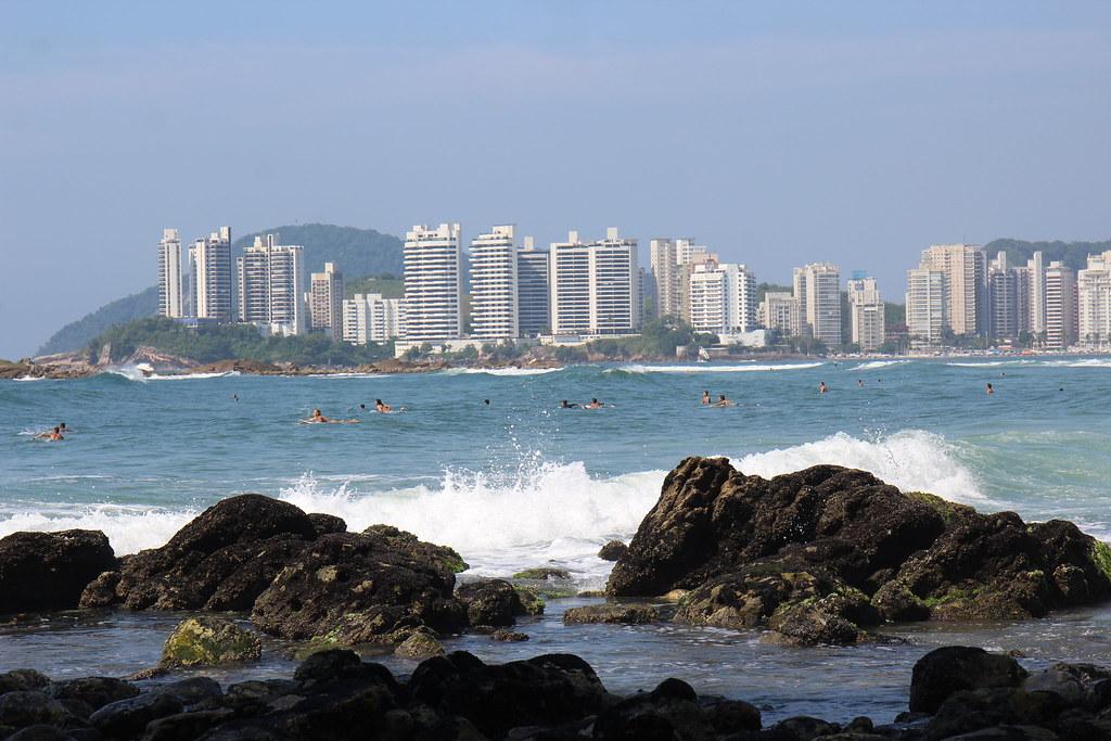 Guarujá surfers