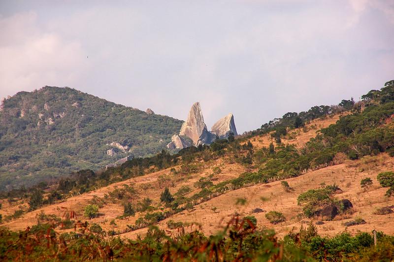小尖石山(牛角山)