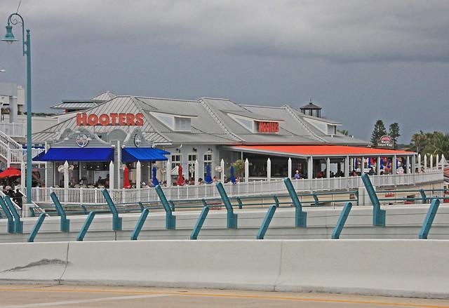 HOOTERS Sports Bar, Madeira Beach, Florida