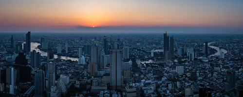 last sunset in the winter season of bangkok | by Flutechill