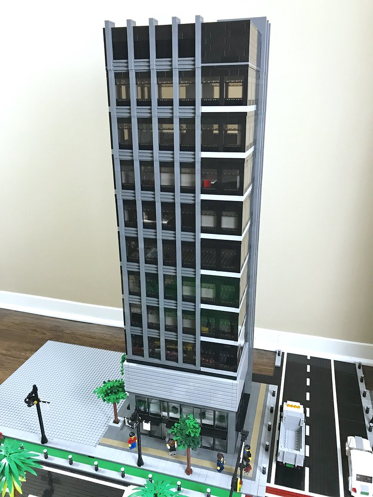 Corporate Plaza | The third LEGO skyscraper goes up in Wasab