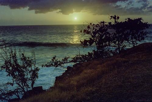 svema puertorico sunset singhrayreversegnd nikkoro35mmf2 travel film nikonf2 rincon analog svema125