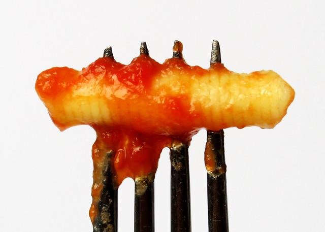 Garganelli with tomato sauce (I)