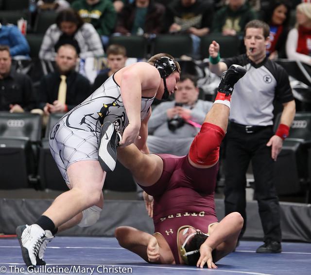 285AASemifinal - Logan Wingert (Plainview-Elgin-Millville) 44-7 won by decision over Dustin Portales (Fergus Falls) 35-4 (Dec 3-2). 190302AMC3536