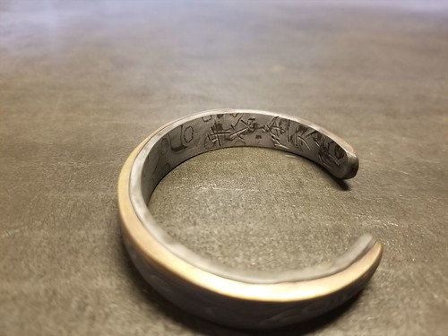 Damascus steel bangle | by Rew10works