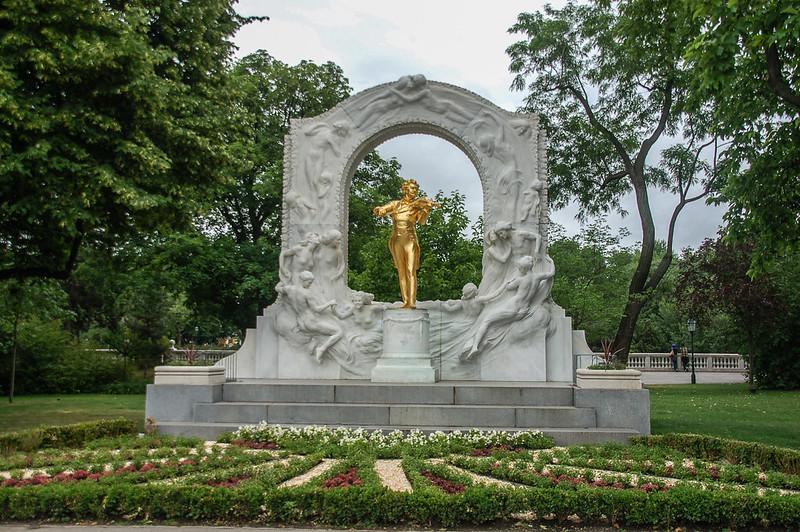 維也納城市公園小約翰•施特勞斯(Johann Strauss II)雕像   1
