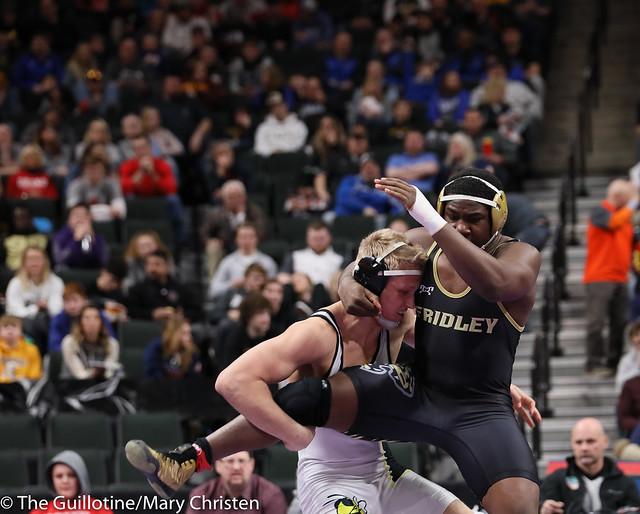 195AA Semifinal - Ty Moser (Perham) 46-0 won by tech fall over Josh Franklin (Fridley) 33-5 (TF-1.5 3:12 (18-3)). 190302AMC3374