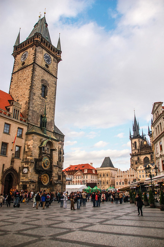 布拉格天文鐘鐘塔與老城廣場