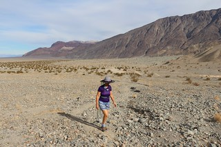1192 Vicki hiking up the long sloping wash into Sidewinder Canyon | by _JFR_