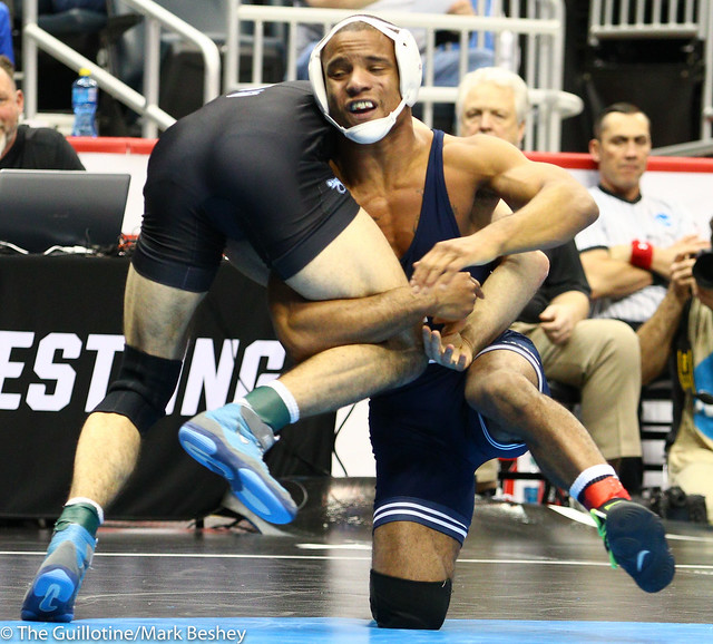 Champ. Round 1 - Mark Hall (Penn State) 27-0 won by major decision over Devin Kane (North Carolina) 16-14 (MD 10-2) - 190321amk0123