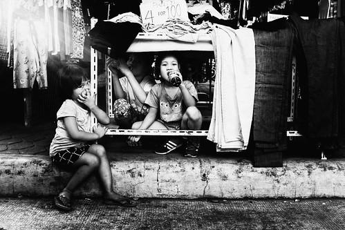 meljoesandiego fuji fujifilm x100f streetphotography cloth children candid monochrome philippines