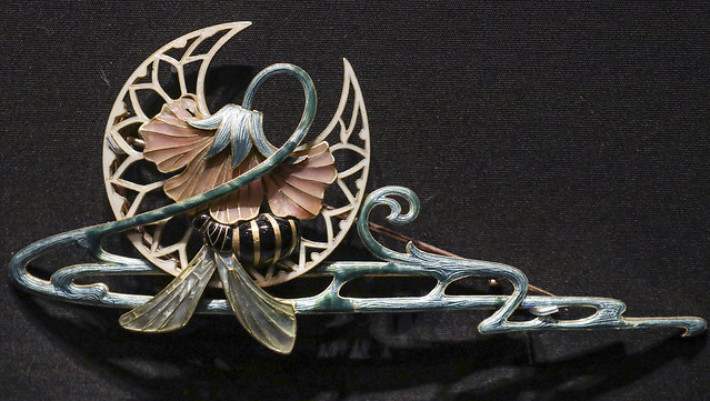Brooch, France, Paris, 1901, designed by Charles Desrosiers, made by Georges Fouquet