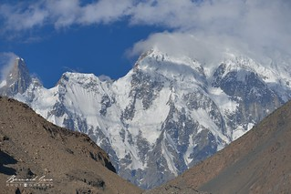 Sommet proche du pic et du glacier de Passu, le matin © Bernard Grua | by Photos de voyages, d'expéditions et de reportages