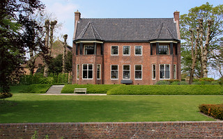 Groningen: Usquert, villaboerderij Oudelaan