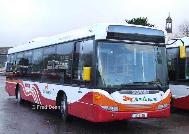 Bus Éireann SL 1 (09-C-228).