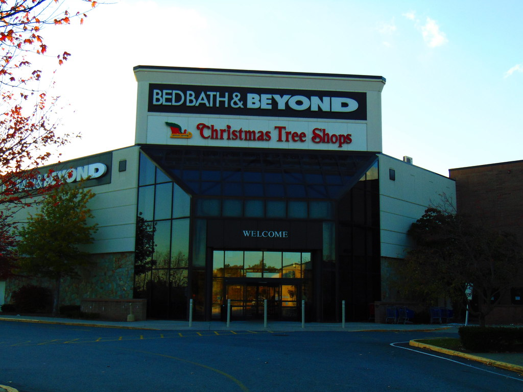 Christmas Tree Shop/Bed Bath & Beyond (Crystal Mall, Water… | Flickr