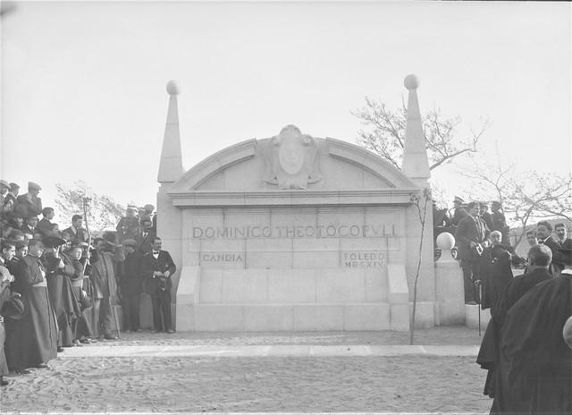 7 de abril de 1914. Monumento al Greco en el Paseo del Tránsito, con motivo del III Centenario de su muerte. Fue obra del escultor José Capuz y el arquitecto Eladio Laredo. Foto tomada por Luis Ramón Marín