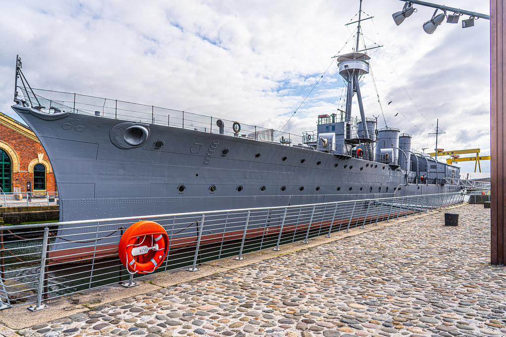 THE HMS CAROLINE ENTERED SERVICE IN 1914 AND NOW IT IS A FLOATING MUSEUM IN BELFAST 010