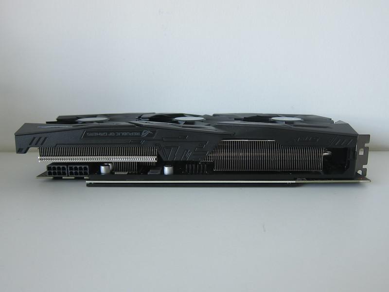 Asus ROG Strix RX VEGA56 OC Edition 8GB - Left