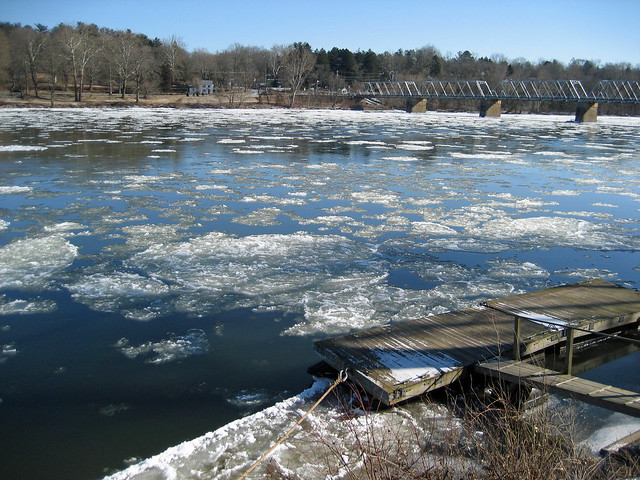 Ice Flow on the Delaware