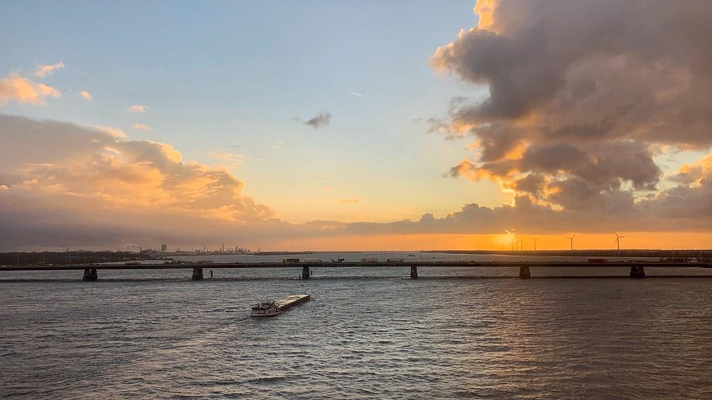 Sunset Hollands Diep