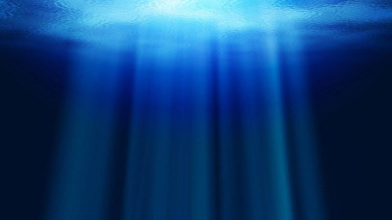Обои океан, вода, лучи, глубина картинки на рабочий стол, фото скачать бесплатно