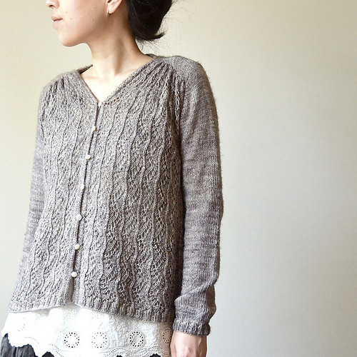 This one is Roko's test knit that she knit using Madelinetosh Merino Light
