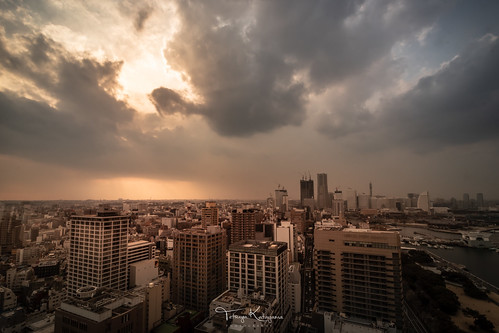 skyscape townscape sky sunset light sunlight cloud architecture yokohomamarinetower yokohama kanagawa japan