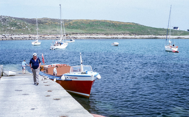 SCY0120 - SEA KING at St Agnes Quay - St Agnes - Isles of Scilly - 1992