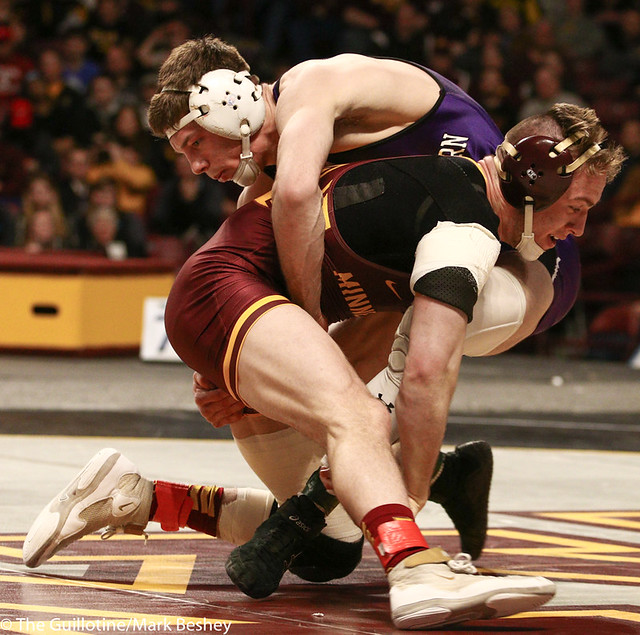 5th Place Match - Ryan Deakin (Northwestern) 29-4 won by major decision over Steve Bleise (Minnesota) 18-7 (MD 10-1) - 190310dmk0100