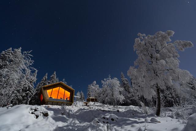 Full Moon at the Cabin - Fuglemyrhytta