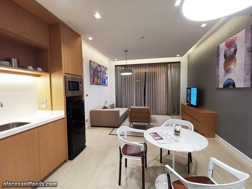 eastin thana city king suite living room | by placesandfoods.com