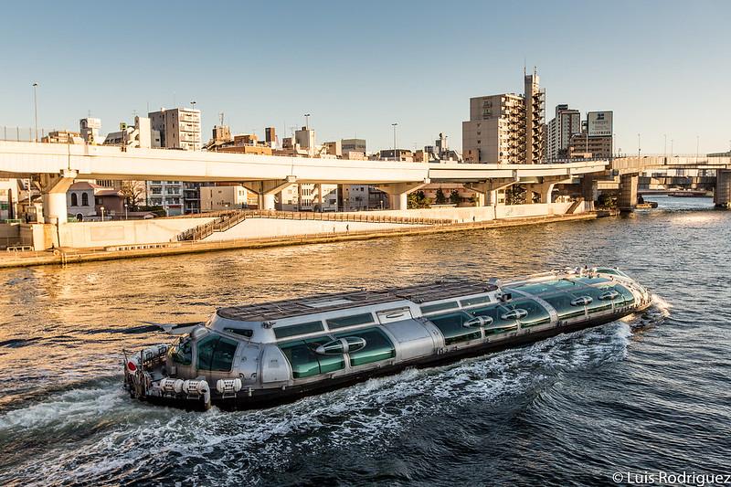 Río Sumida desde el puente de Ryogoku
