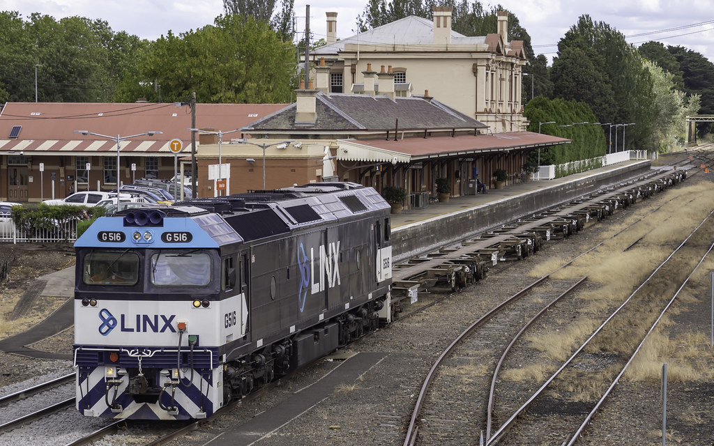 LINX Cargo Care locomotive G516 as 2178 LINX's Transfer Goulburn to Enfield NSW
