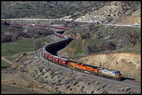 bnsf atsf up sp crex citirail citibank es44ac tehachapi pass cable ca california eastbound mojave subdivision mountain railroading creek
