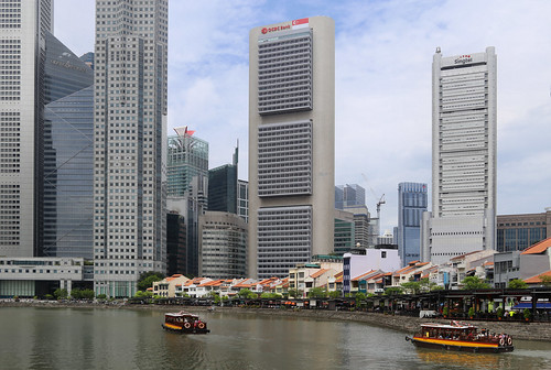 The Financial hub overlooking the old Boat Quay of Singapore | by B℮n
