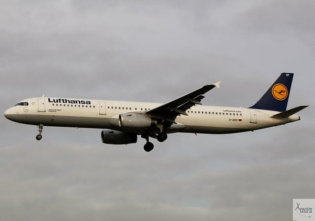 Lufthansa A321-231 D-AIDP landing at LHR/EGLL