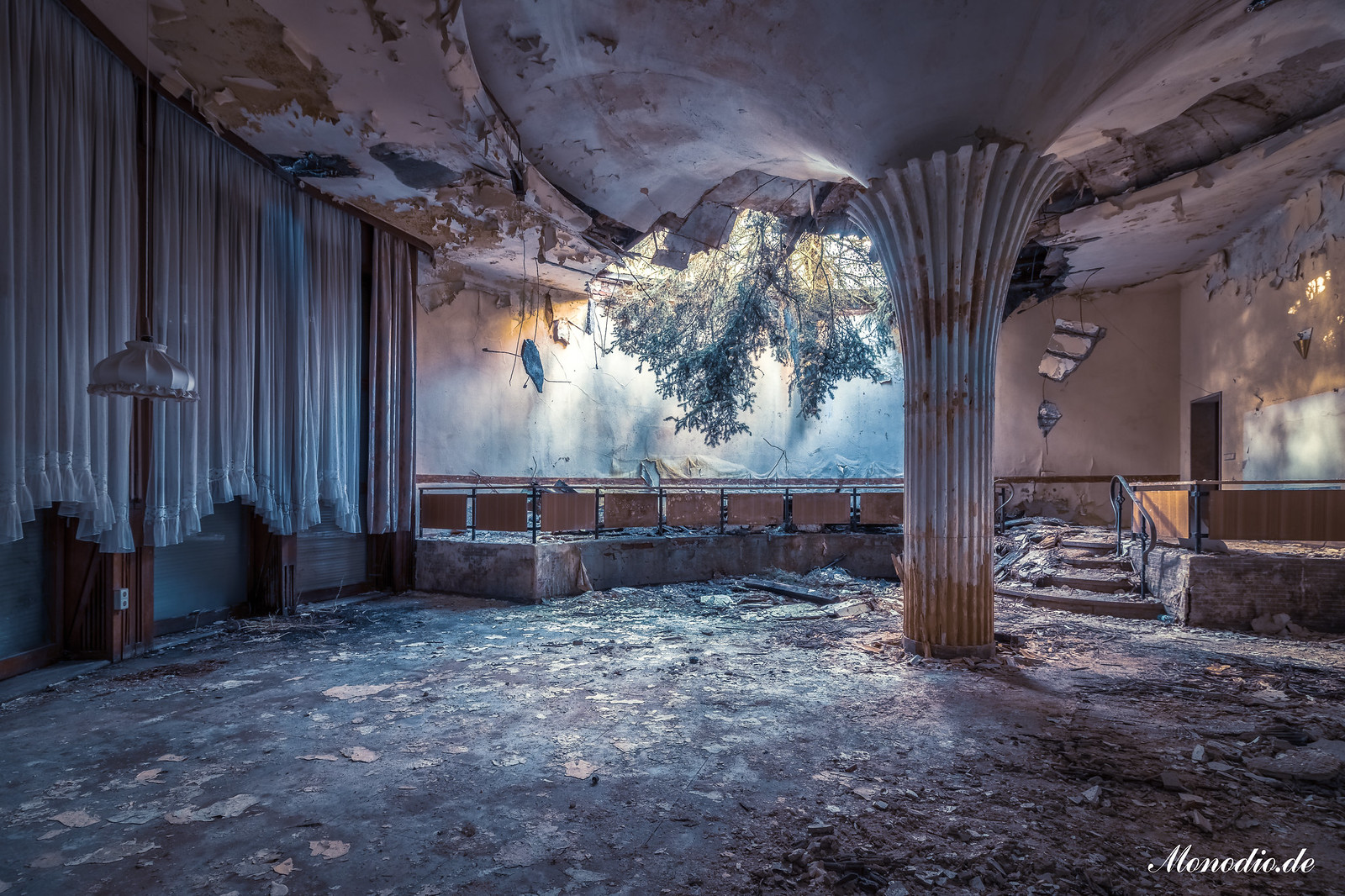 Das Kino mit den Spiegeltischen