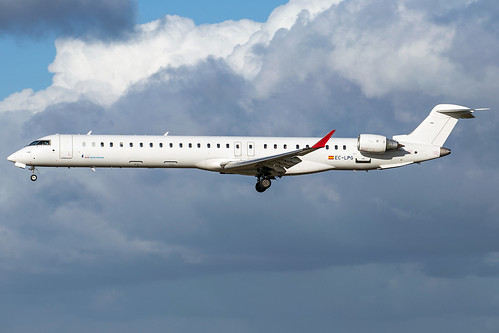 Air Nostrum CRJ-1000 EC-LPG | by wapo84