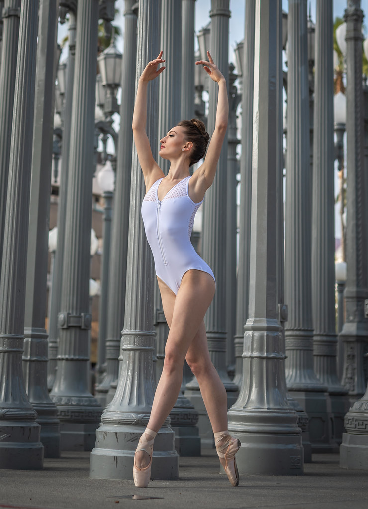 Pretty Venus Ballerina Dancing Classical Ballet at the Los Angeles LACMA Urban Lights & Levitated Mass! Nikon D810 & Sigma 50mm f/1.4 EX DG HSM Lens for Nikon! Gorgeous Athletic Talented Ballerinas Dancing Ballet in Pointe Shoes Ballet Slippers & Leotard!